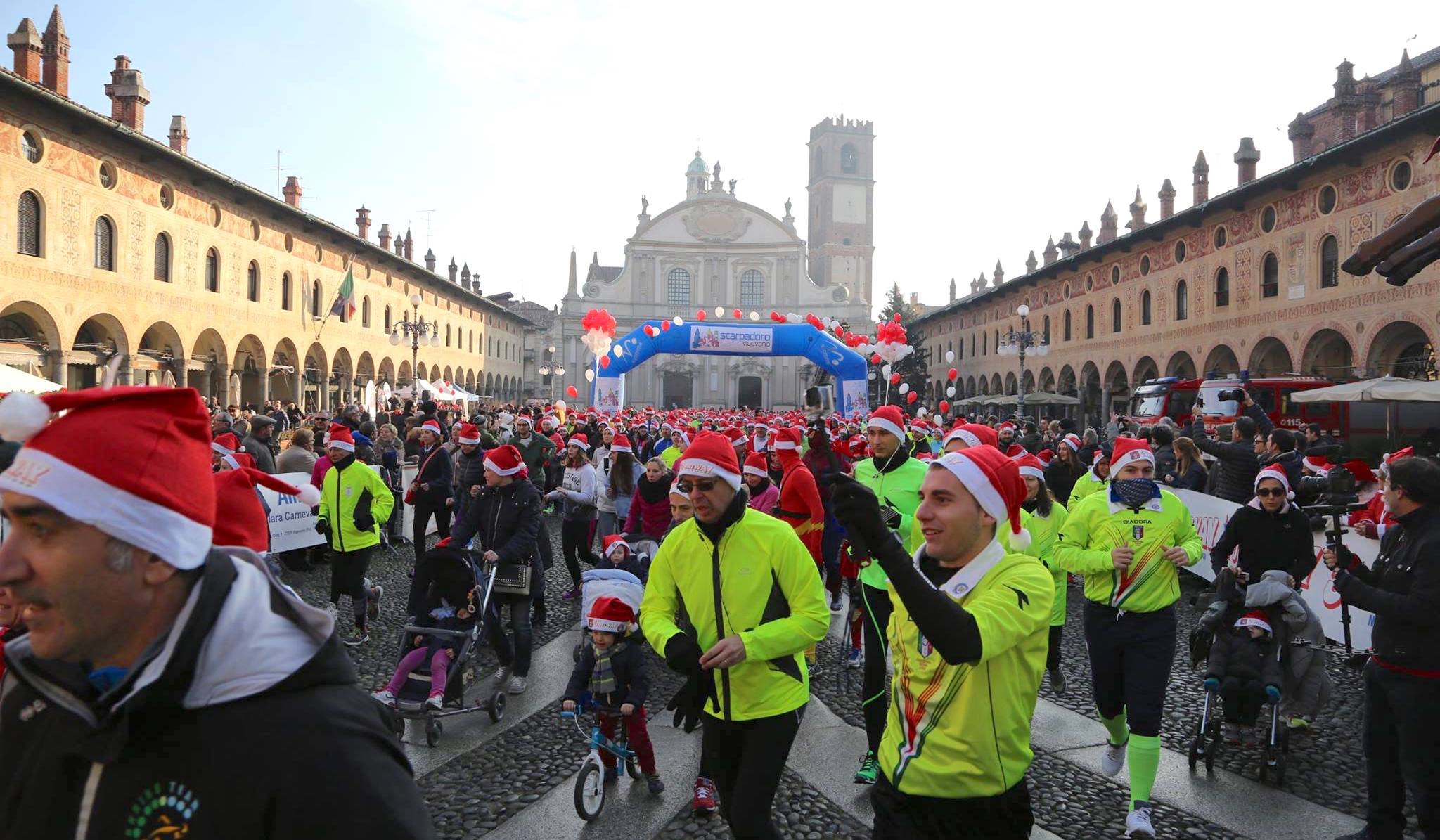 Domenica 17 dicembre torna in Piazza Ducale la 4^ Scarpadoro di Babbo Natale!
