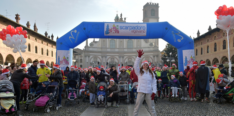Domenica a Vigevano si corre e si cammina con Babbo Natale!